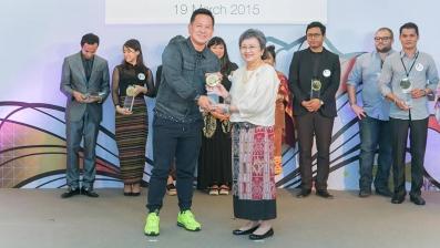 nathan_yong_award.jpg