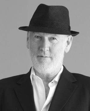 Associate Professor Paul Thomas